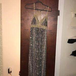 Amazing design! Like new maxi dress size s